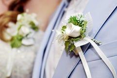Dois boutonnieres no casamento fotos de stock royalty free