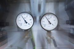 Dois calibres de pressão Fotos de Stock
