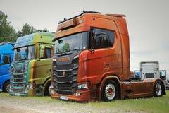 Dois caminhões de NextGen Scania S580 de Martin Pakos Fotografia de Stock