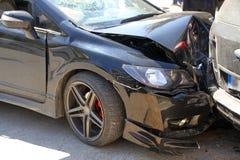 Dois carros envolvidos no acidente de tráfico Fotos de Stock Royalty Free