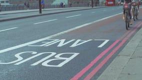 Dois ciclistas em Boris Bikes filme