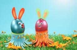 Dois coelhos de easter Fotografia de Stock Royalty Free
