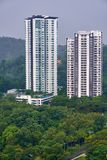 Dois condomínios situados em Mont Kiara, Kuala Lumpur, Malásia fotografia de stock royalty free