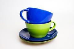 Dois copos de café isolados no branco Fotografia de Stock