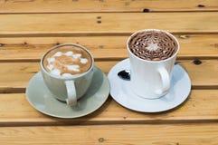 Dois copos do café quente Foto de Stock Royalty Free