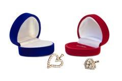 Dois corações com caixas de jóia Fotografia de Stock