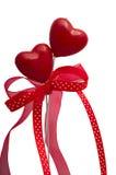 Dois corações com fitas Imagens de Stock Royalty Free