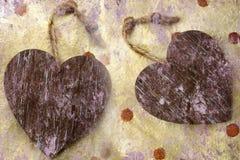 Dois corações de madeira Imagens de Stock Royalty Free