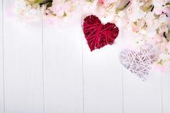 Dois corações e flores Imagens de Stock