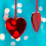 Dois corações vermelhos como o fundo conceito do dia de Valentim, Cartão do dia dos Valentim Fotos de Stock