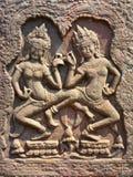 Dois dançarinos de Apsara em Angkor em Camboja Fotos de Stock