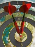 Dois dardos que batem o alvo do bullseye conceito da ilustração do sucesso 3d Fotografia de Stock Royalty Free