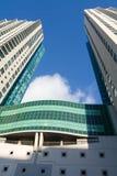 Dois edifícios altos foto de stock royalty free