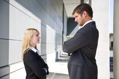 Dois executivos caucasianos irritados Imagem de Stock Royalty Free