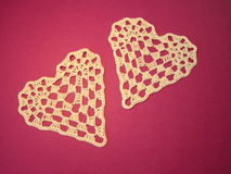 Dois fazem crochê corações Fotografia de Stock Royalty Free