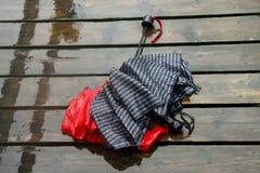 Dois guarda-chuvas molhados imagens de stock royalty free
