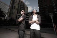 Dois homens novos do americano africano na cidade Imagem de Stock Royalty Free