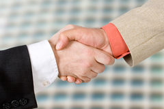 Dois homens que agitam as mãos (2) Fotografia de Stock