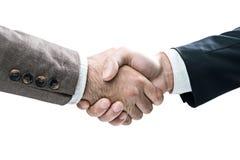 Dois homens que agitam as mãos, isoladas Fotos de Stock Royalty Free