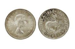 Dois lados da união África do Sul do vintage cinco moedas do xelim Foto de Stock
