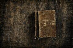 Dois livros muito velhos Fotografia de Stock