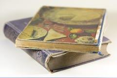 Dois livros velhos em um fundo branco Fotografia de Stock