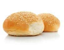 Dois loafs do pão fresco isolados no branco Imagens de Stock