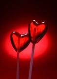 Dois lollipops dados forma coração para o Valentim Fotografia de Stock