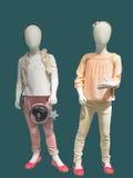 Dois manequins vestiram-se no desgaste elegante das crianças Foto de Stock Royalty Free