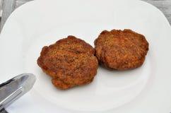 Dois meatballs na placa branca Imagem de Stock