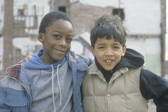 Dois meninos do centro urbano em Bronx sul Foto de Stock