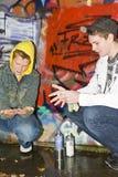 Dois meninos que limpam as mãos Foto de Stock Royalty Free