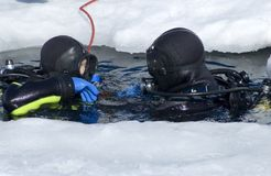 Dois mergulhadores Foto de Stock Royalty Free