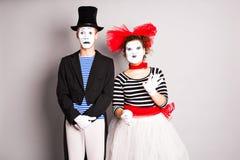 Dois mimicam o dia dos tolos do homem e da mulher em abril imagem de stock