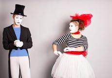 Dois mimicam o dia dos tolos do homem e da mulher em abril fotografia de stock
