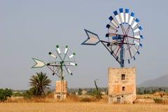 Dois moinhos de vento Imagem de Stock Royalty Free