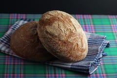 Dois nacos do pão de mistura do centeio Imagem de Stock Royalty Free