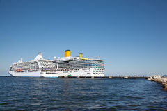 Dois navios no cais Fotos de Stock Royalty Free