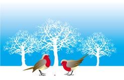 Dois pássaros e uma baga Imagens de Stock Royalty Free