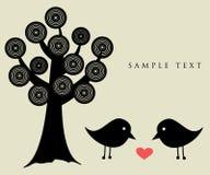 Dois pássaros na tâmara do amor Fotografia de Stock Royalty Free