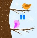 Dois pássaros que sentam-se em uma árvore ilustração do vetor