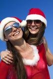 Dois Papai Noel feliz que tem o divertimento foto de stock