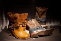 Dois pares de botas fêmeas elegantes Fotografia de Stock