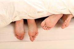 Dois pares de pés Imagens de Stock Royalty Free