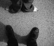 Dois pares de pés Imagens de Stock