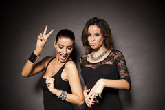 Dois partys girl elegantes Fotografia de Stock