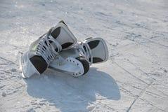 Dois patins de competência imagem de stock royalty free