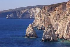 Dois penhascos no mar Mediterrâneo Foto de Stock