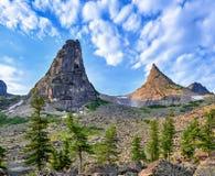 Dois picos de montanha Imagem de Stock