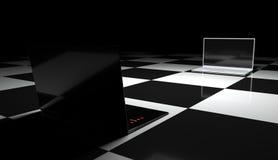 Dois portáteis no tabuleiro de xadrez. Fotografia de Stock